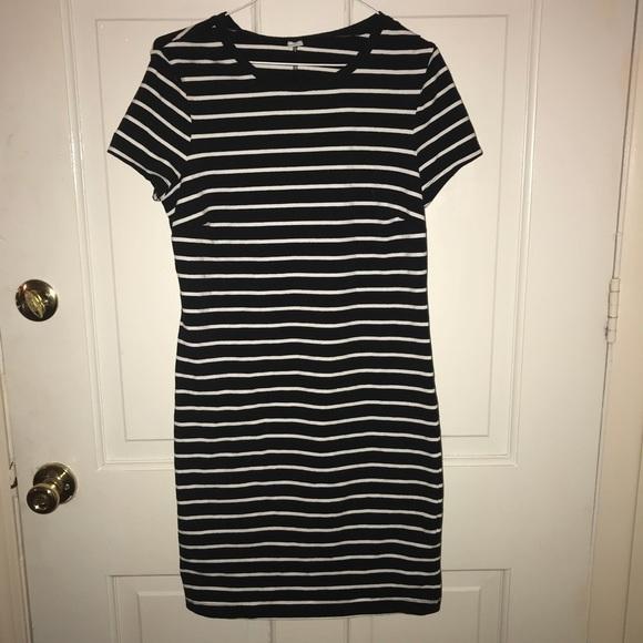 9f7822b6715b Women's Old Navy Striped Knit T-shirt dress. M_5b4aace5aa5719c09aa60fe8